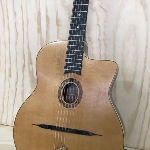 Guitarra Gypsy jazz modelo Django