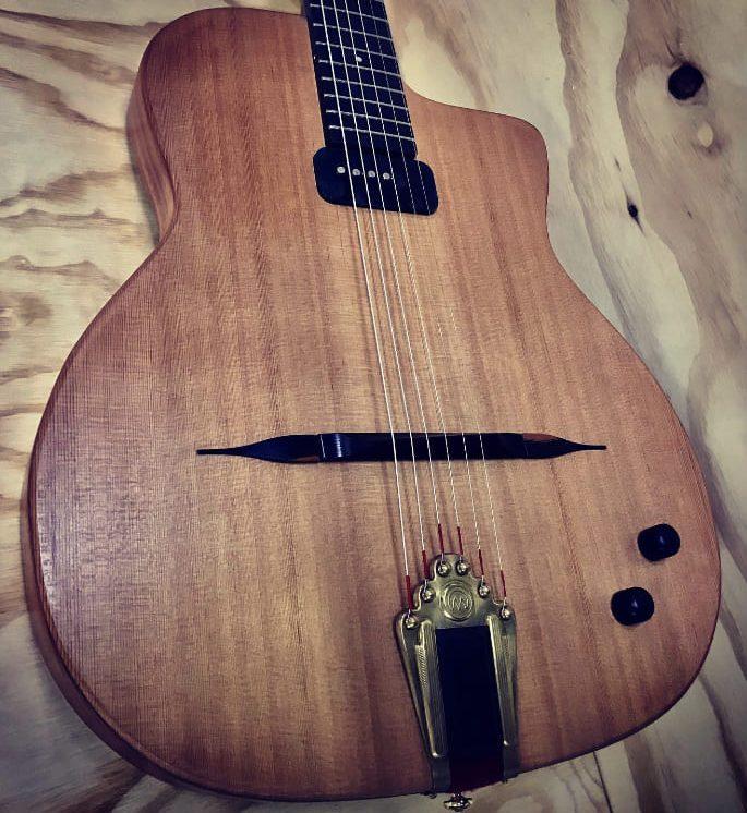 Guitarra eléctrica Modelo Daniela Geronimo Mateos