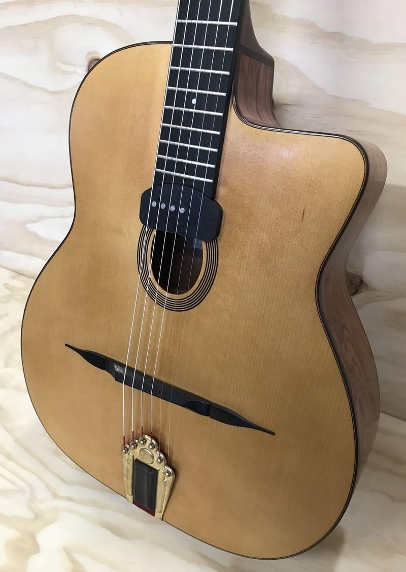 Guitarra Manouche Modelo Jazz B, de los Luthier Gerónimo y Federico Mateos